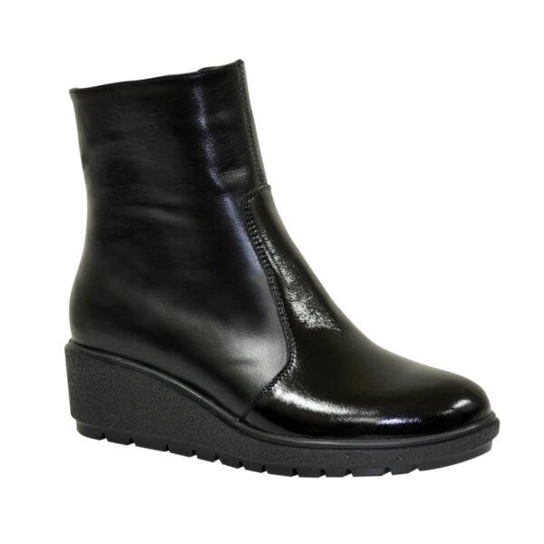 Ботинки женские черные кожаные зимние на танкетке