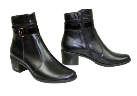 Женские ботинки из натуральной кожи черного цвета на невысоком каблуке, демисезон-зима