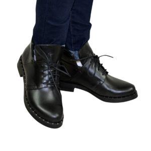женские кожаные ботинки зима-осень на низком каблучке,цвет черный