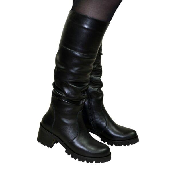 Сапоги черные демисезонные кожаные женские на каблуке