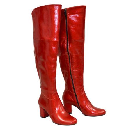 Красные лаковые кожаные ботфорты на каблуке, осень зима