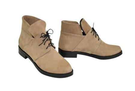 женские ботинки из натуральной кожи (нубук) цвета беж, на низком каблучке/ зима-осень