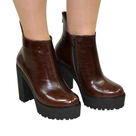 Ботинки коричневые кожаные женски на высоком каблуке, зима осень