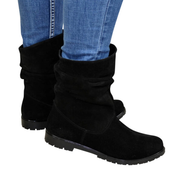 Женские замшевые зимние ботинки свободного одевания