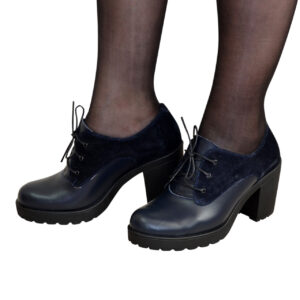 Туфли женские закрытые на устойчивом каблуке из натуральной кожи и замши синего цвета
