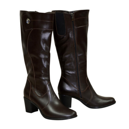 Кожаные женские черные сапоги на невысоком каблуке, зима осень