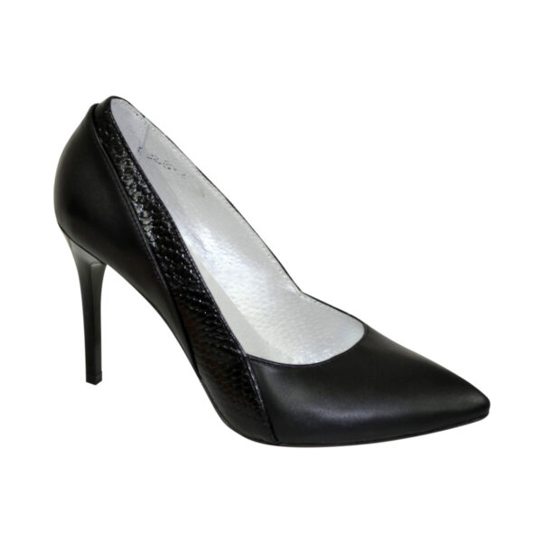 Классические женские черные туфли на шпильке