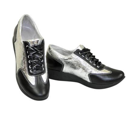 кроссовки кожаные женские на утолщенной подошве, с мягким кантом и мягким языком серебро/черный цвет