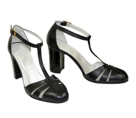 Черные кожаные женские босоножки на устойчивом каблуке