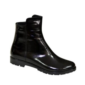женские лаковые черные ботинки на невысоком каблуке, осень зима