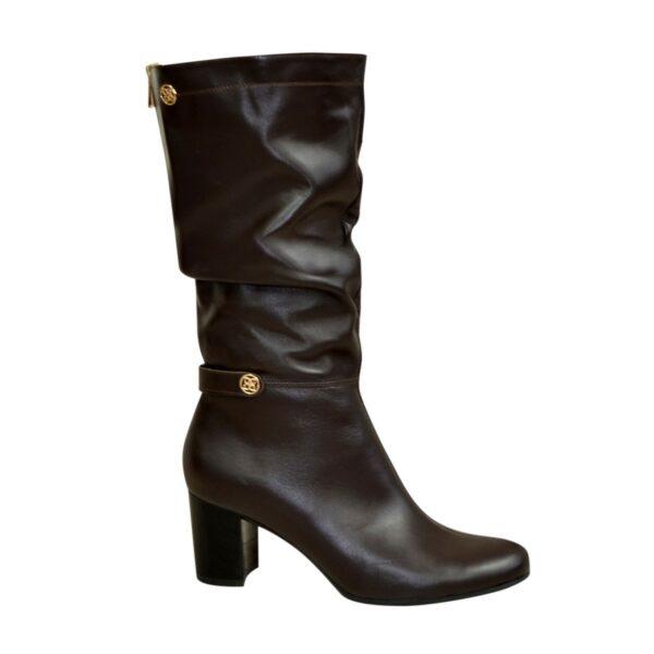 Демисезонные кожаные женские сапоги на невысоком каблуке, цвет коричневый