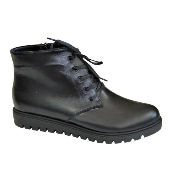 Ботинки демисезонные женские кожаные на шнуровке, цвет черный
