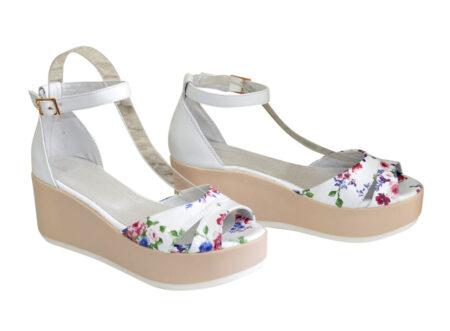 Женские босоножки из натуральной кожи на стильной платформе цвет белый+цветы