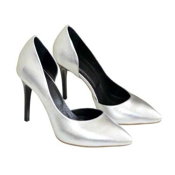 Женские кожаные туфли на шпильке, цвет серебро