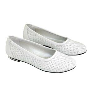 Женские туфли-балетки из натуральной кожи с узорной перфорацией на небольшом каблучке