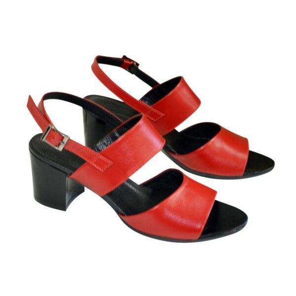 Женские красные кожаные босоножки на невысоком каблуке