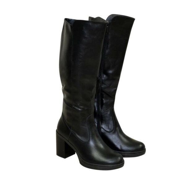 Женские кожаные сапоги на устойчивом каблуке