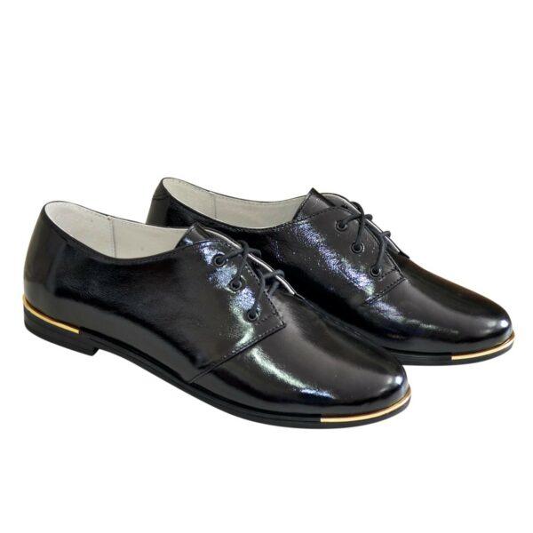Туфли женские черные лаковые на шнуровке, низкий ход