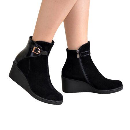 женские зима осень ботинки на танкетке из натурального замша комбинированы лаковой вставкой черного цвета
