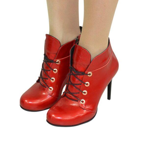 Ботинки демисезонные женские на шпильке, натуральная лаковая кожа