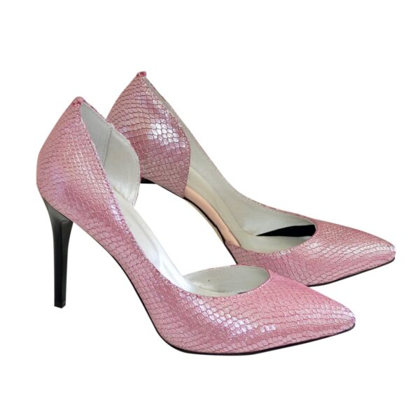 Женские кожаные туфли на шпильке, цвет розовый с тиснением питон