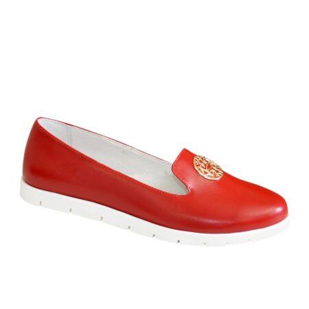 Туфли-мокасины женские из натуральной кожи красного цвета на утолщенной белой подошве
