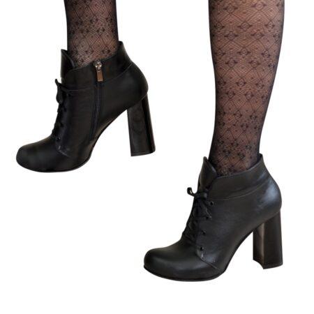 кожаные женские ботинки на широком устойчивом каблуке,цвет черный