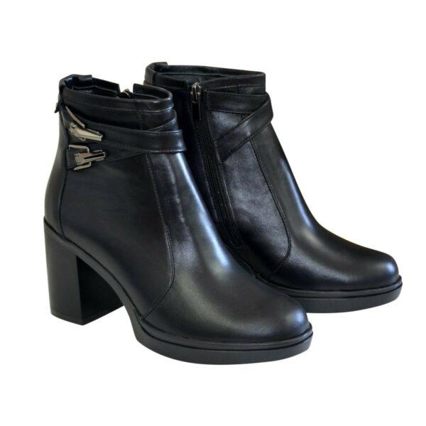 Женские зимние ботинки на устойчивом каблуке, из натуральной кожи черного цвета