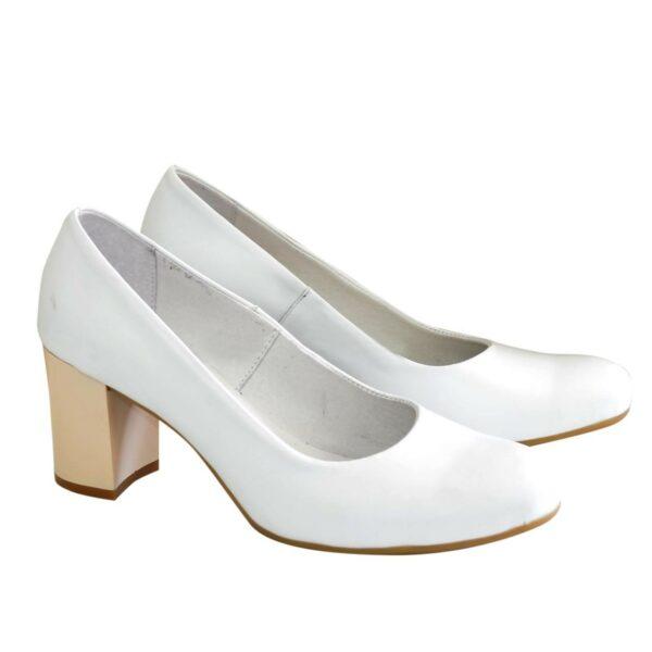 Туфли женские кожаные белые на невысоком каблуке