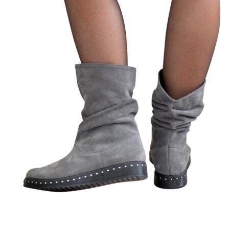 Ботинки женские свободного одевания из натуральной замши серого цвета. осень зима