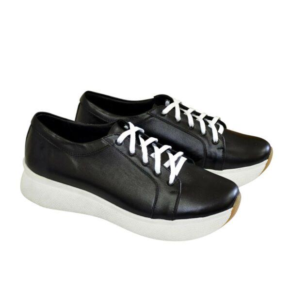 Туфли-кроссовки женские на утолщенной подошве, из натуральной кожи черного цвета