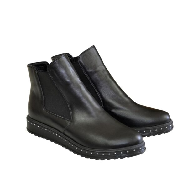 Женские черные кожаные зимние полуботинки на утолщенной подошве