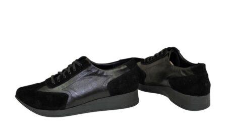 кроссовки на утолщенной подошве, из натуральной замши и кожи черного цвета, с мягким кантом и мягким языком