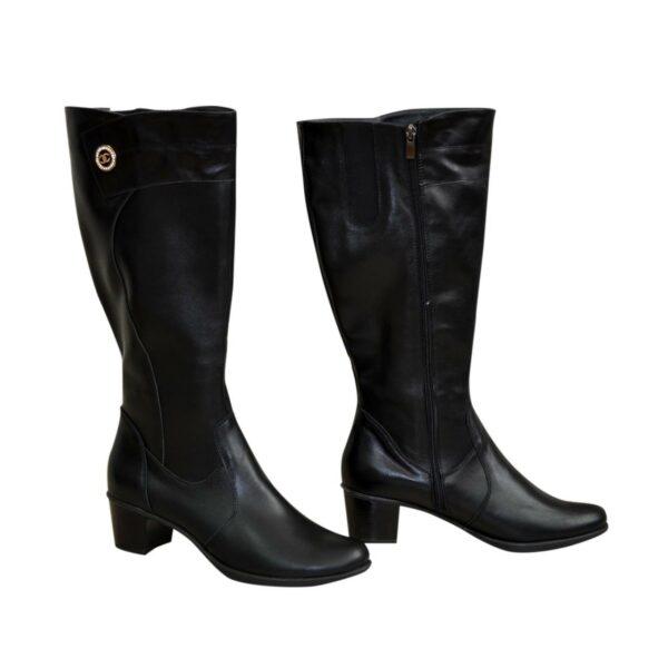 Женские классические кожаные сапоги на невысоком каблуке