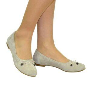 Женские туфли-балетки из натуральной замши, бежевого цвета на изящной подошве