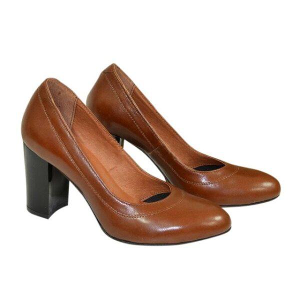 Кожаные женские туфли коричневого цвета на устойчивом высоком каблуке