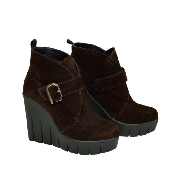 Ботинки замшевые зимние женские на высокой платформе