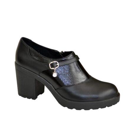 Туфли женские на устойчивом каблуке черного цвета в комбинации кожи и лака