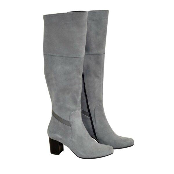 Ботфорты замшевые демисезонные на устойчивом каблуке, цвет серый
