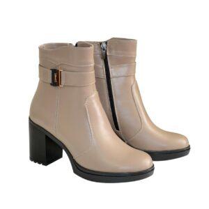 Женские ботинки из натуральной кожи цвета визон на широком устойчивом каблуке денисезон-зима