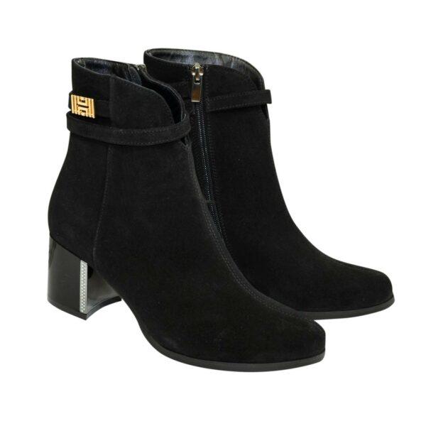Полуботинки женские демисезонные на невысоком каблуке, из натуральной замши черного цвета