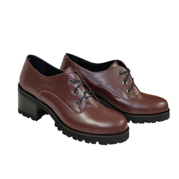 Женские кожаные туфли на невысоком устойчивом каблуке, цвет бордо