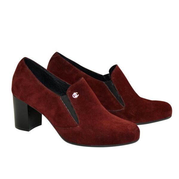 Туфли женские замшевые на устойчивом каблуке, декорированы фурнитурой