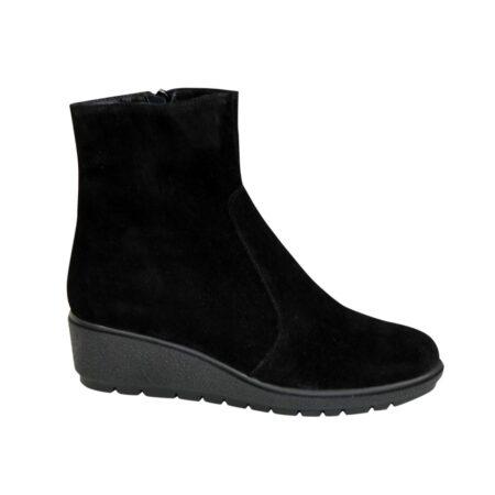 Женские замшевые ботинки демисезон-зима на танкетке, цвет черный