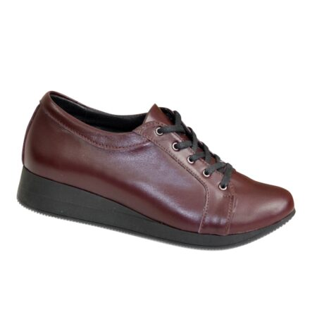 Кроссовки женские кожаные на утолщенной сплошной подошве, цвет бордо