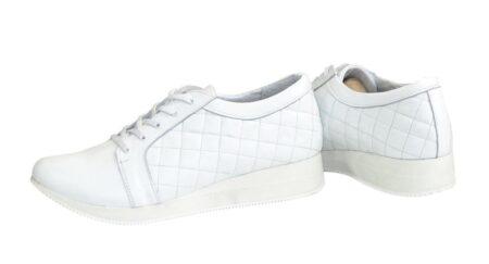 Женские  кожаные кроссовки, с мягким кантом и мягким языком на утолщенной подошве, цвет белый
