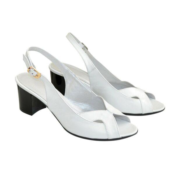 Босоножки женские кожаные на устойчивом каблуке, цвет белый