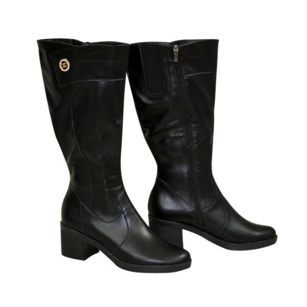 Женские черные кожаные сапоги на устойчивом каблуке