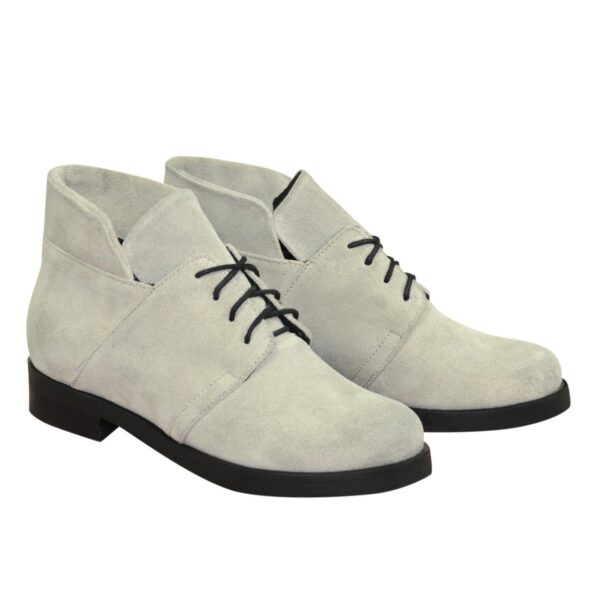 Ботинки замшевые демисезонные на невысоком каблуке, цвет серый