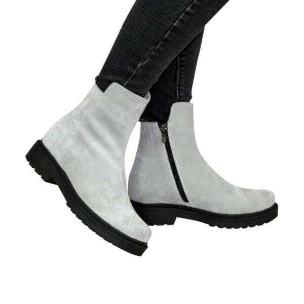 Ботинки женские замшевые демисезонные на маленьком каблуке, цвет серый